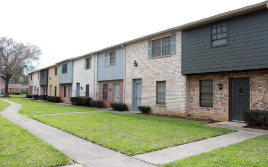 Ashley Square Townhomes, Beaumont, Texas, real estate sales leasing, parigi property management, beaumont, Port Arthur, Texas