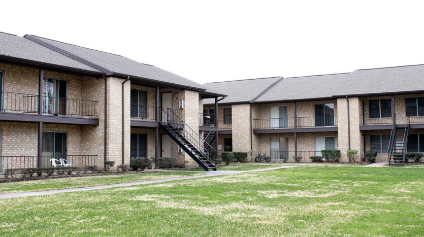 Dowlen Green Apartments Beaumont Texas